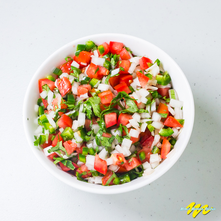 PICO DE GALLO-Add the rest of ingredients to the mixture step 2