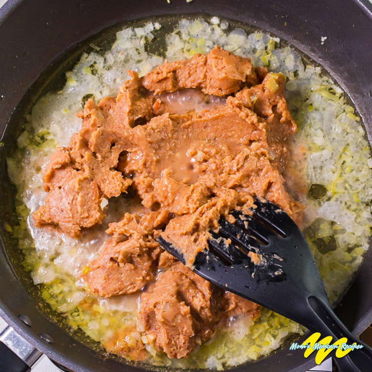 REFRIED_BEANS Add_mashed_beansstep2